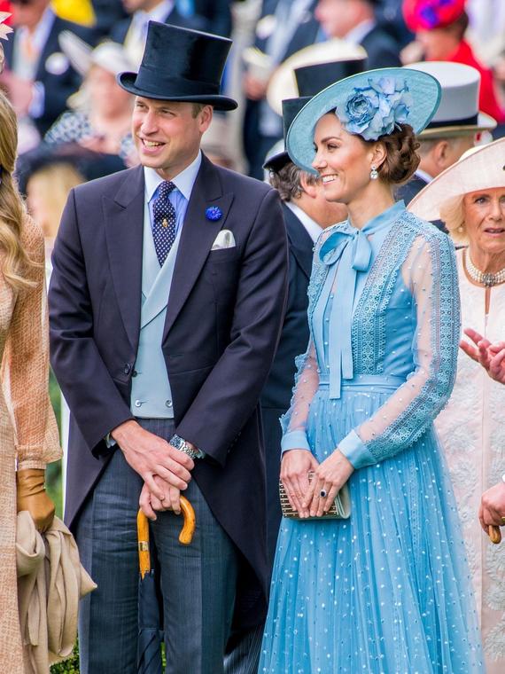 Salt: главное здесь, остальное по вкусу - Кейт Миддлтон, принц Уильям, королевы Елизавета II и Максима на скачках Royal Ascot