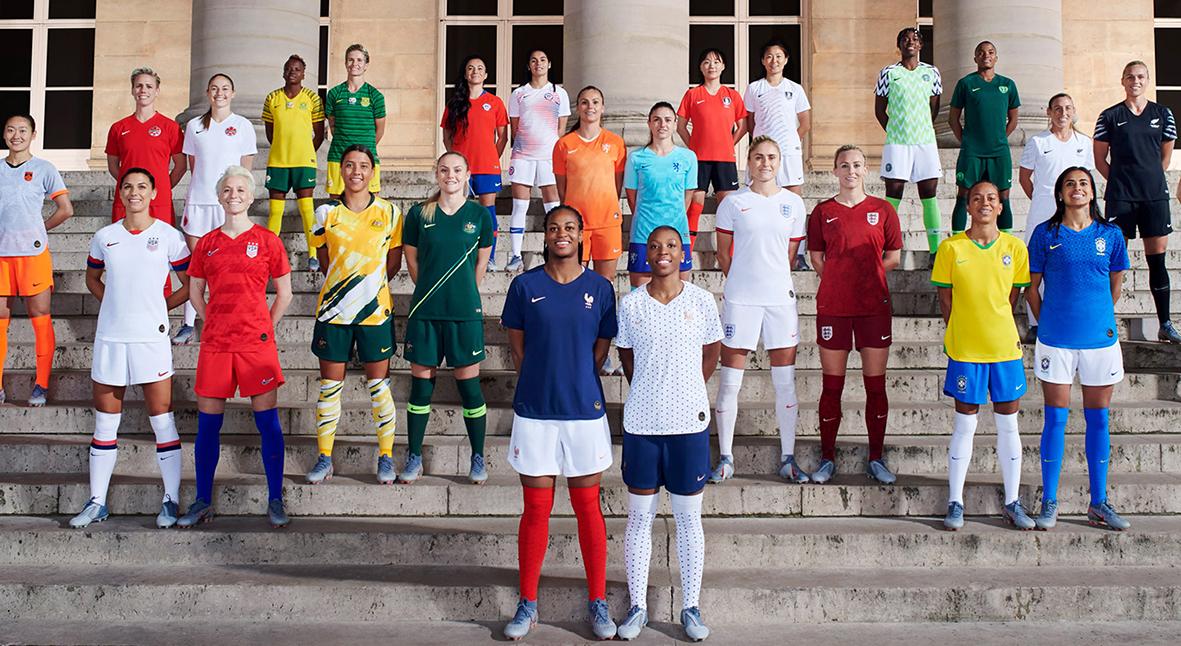 Salt: главное здесь, остальное по вкусу - Nike создал женскую футбольную форму — она впервые отличается от мужской