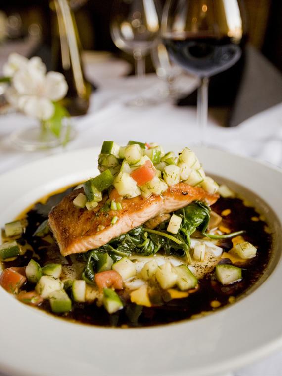 Salt: главное здесь, остальное по вкусу - Бургер с трюфелем в Москве, луковый суп в Питере, сулугуни в Сочи: ресторанный гуру Александр Сысоев — о любимых блюдах и местах