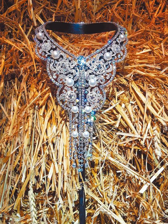 Salt: главное здесь, остальное по вкусу - Русский дух: Chanel выпустили коллекцию ювелирных украшений, вдохновленную Россией