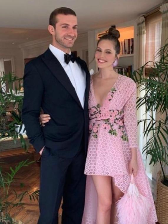 Salt: главное здесь, остальное по вкусу - СМИ: Дарья Жукова и Ставрос Ниархос помолвлены