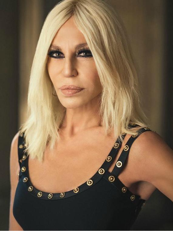Salt: главное здесь, остальное по вкусу - Versace назвали Гонконг и Макао странами — бренд обвинили в нарушении суверенитета Китая