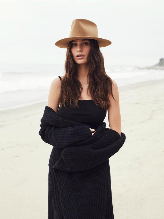Salt: главное здесь, остальное по вкусу - Камила Морроне создала капсульную коллекцию одежды из кашемира