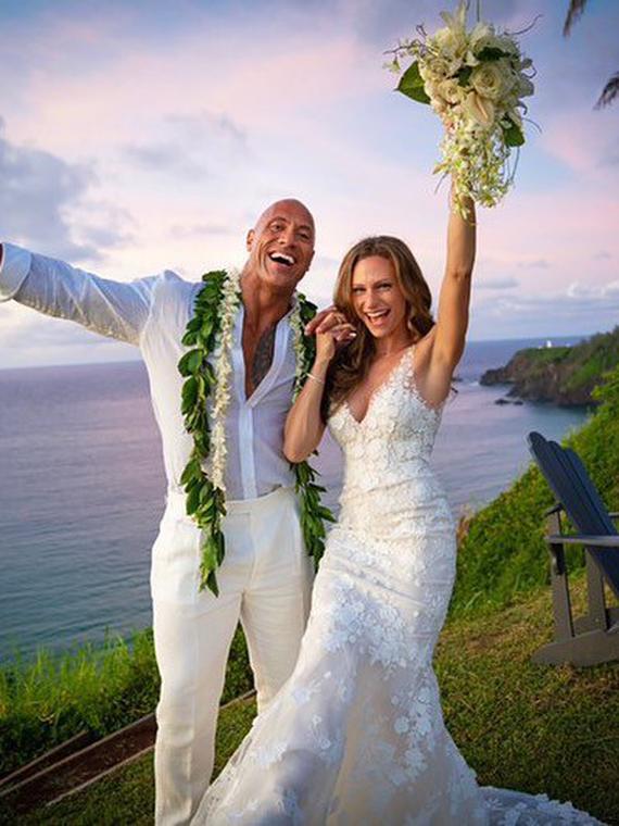 Salt: главное здесь, остальное по вкусу - Дуэйн «Скала» Джонсон и Лорен Хэшиан сыграли тайную свадьбу на Гавайях