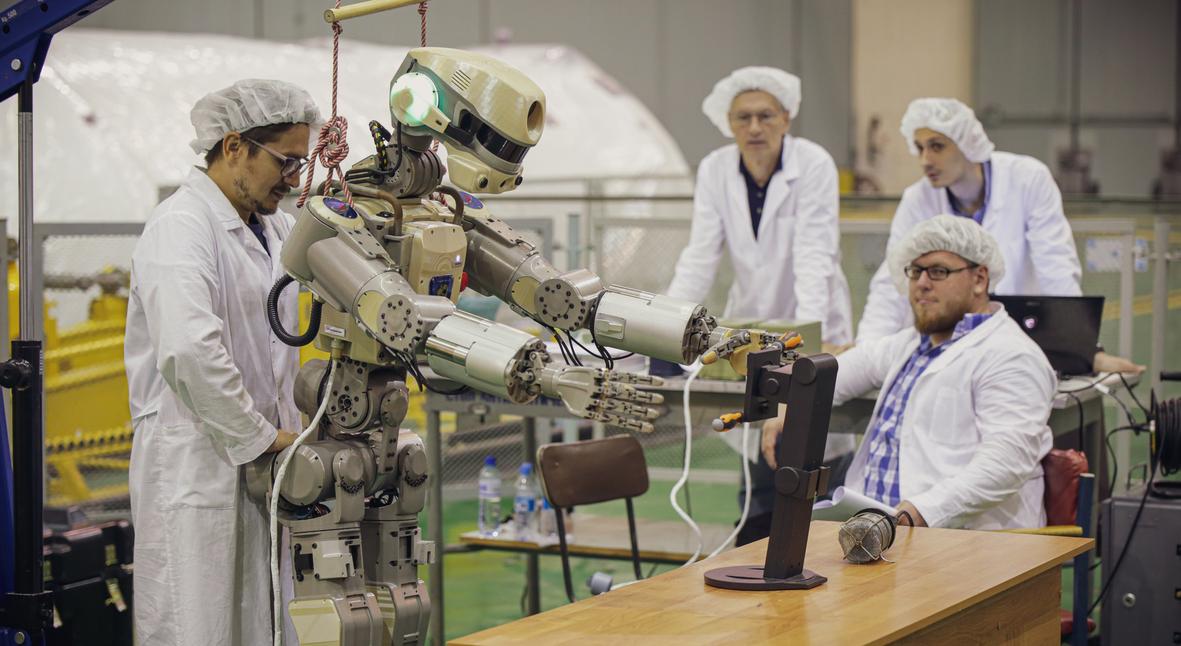 Salt: главное здесь, остальное по вкусу - «Поехали!»: российский робот «Федор» впервые отправился на МКС