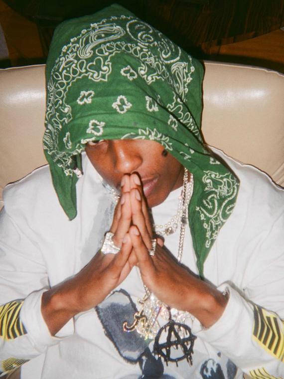 Salt: главное здесь, остальное по вкусу - A$AP Rocky выпустил тизер клипа Babushka Boi с русскими субтитрами