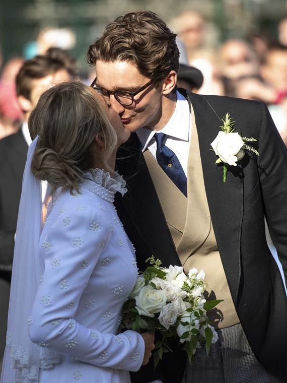 Salt: главное здесь, остальное по вкусу - Кэти Перри, Сиенна Миллер и члены британской королевской семьи на свадьбе Элли Голдинг