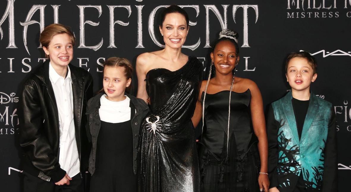 Salt: главное здесь, остальное по вкусу - Анджелина Джоли с детьми, Эль Фаннинг и Мишель Пфайффер на премьере «Малефисенты»