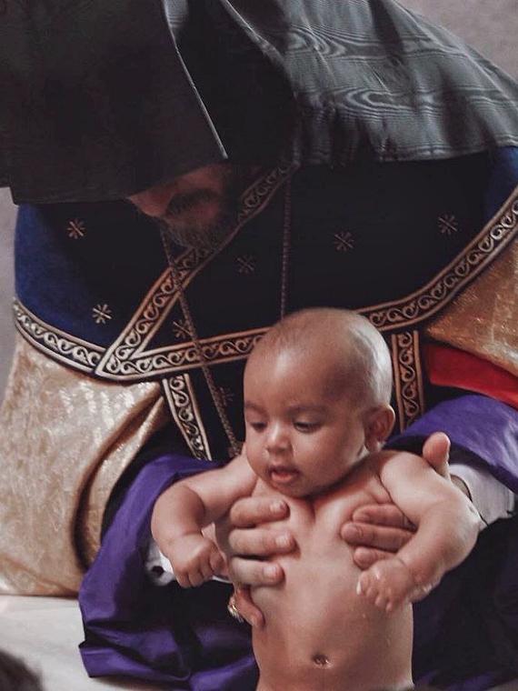Salt: главное здесь, остальное по вкусу - Ким Кардашьян поделилась новыми снимками с крещения в Армении