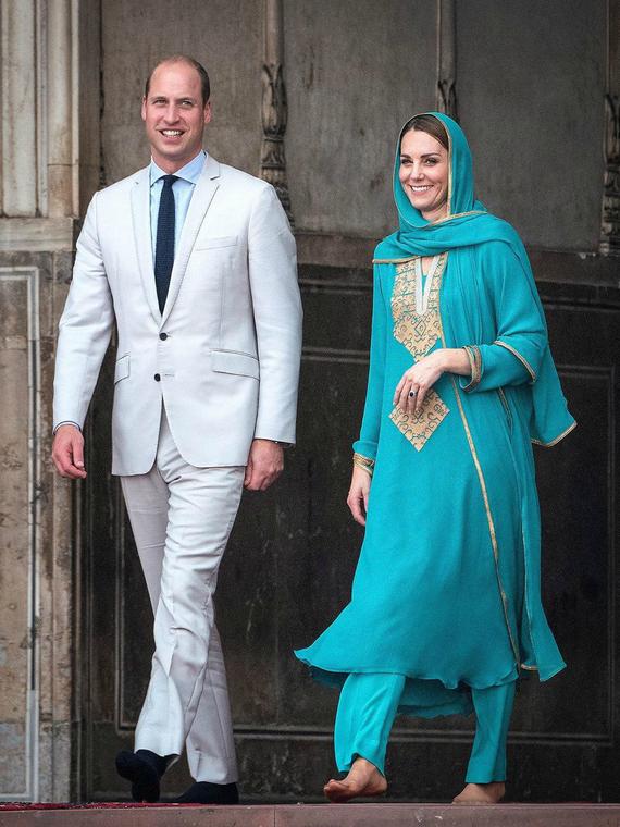 Salt: главное здесь, остальное по вкусу - Кейт Миддлтон и принц Уильям посетили Лахор и попали в шторм на самолете