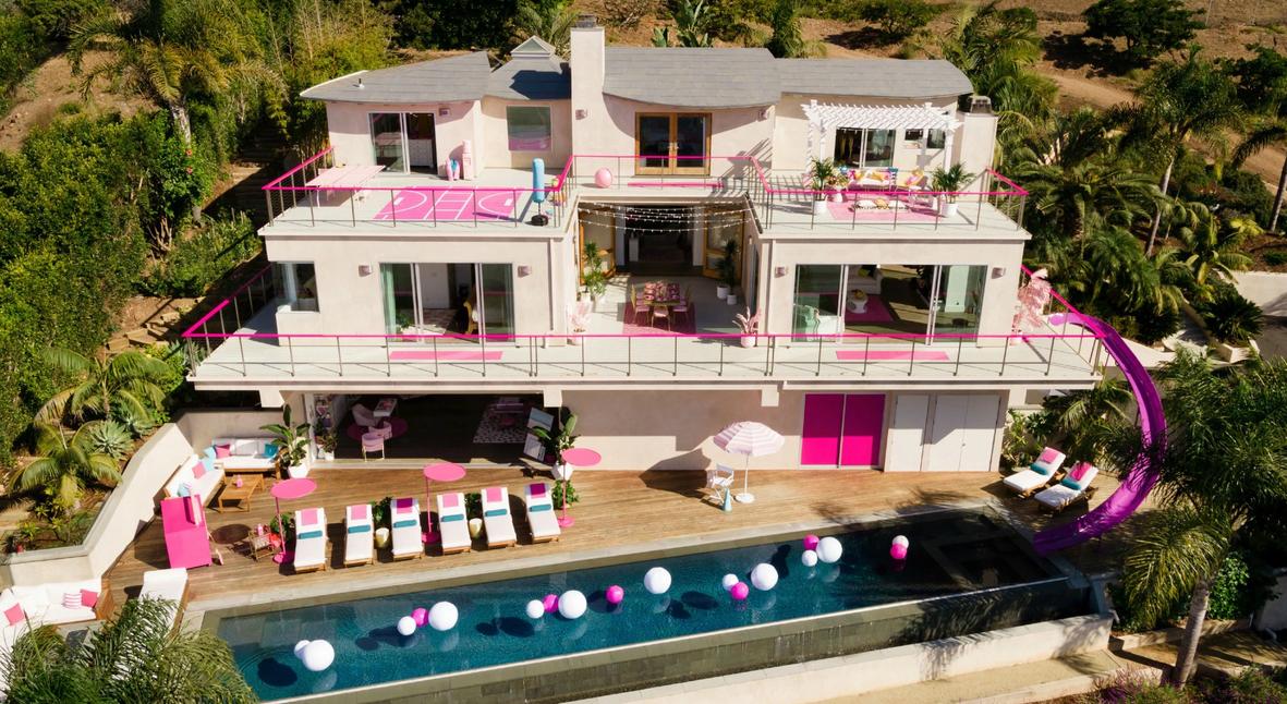 Salt: главное здесь, остальное по вкусу - Воссозданный дом Барби в Малибу теперь можно арендовать на Airbnb