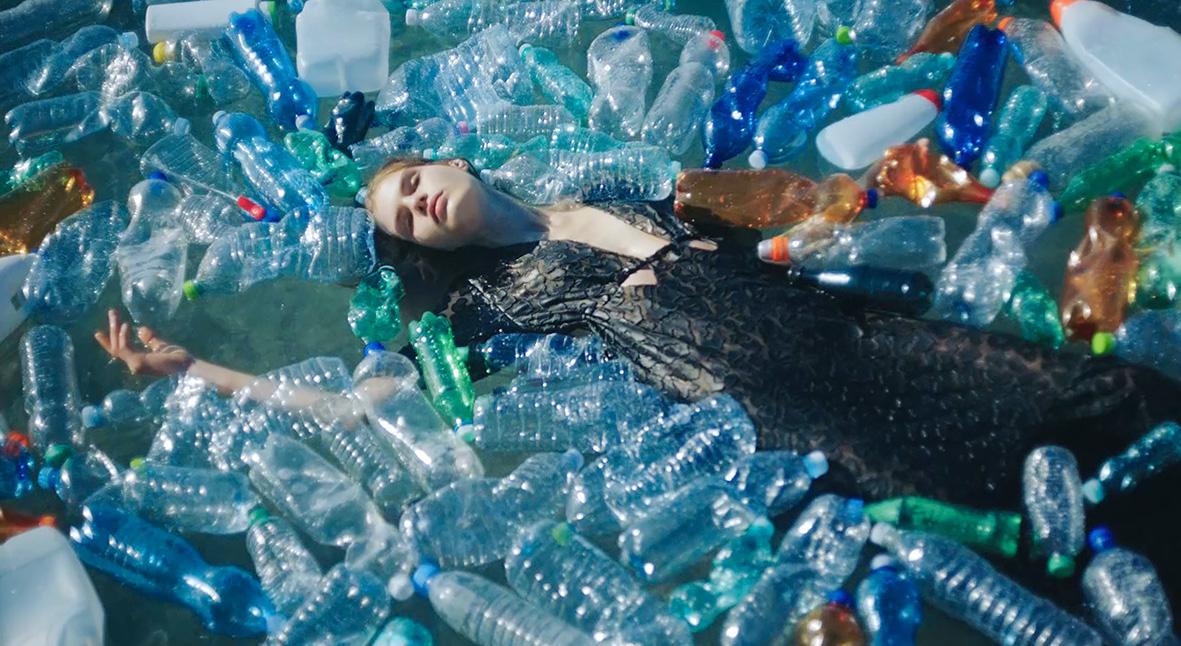 Salt: главное здесь, остальное по вкусу - Вклад в будущее: как бренды делают одежду и обувь из переработанного пластика