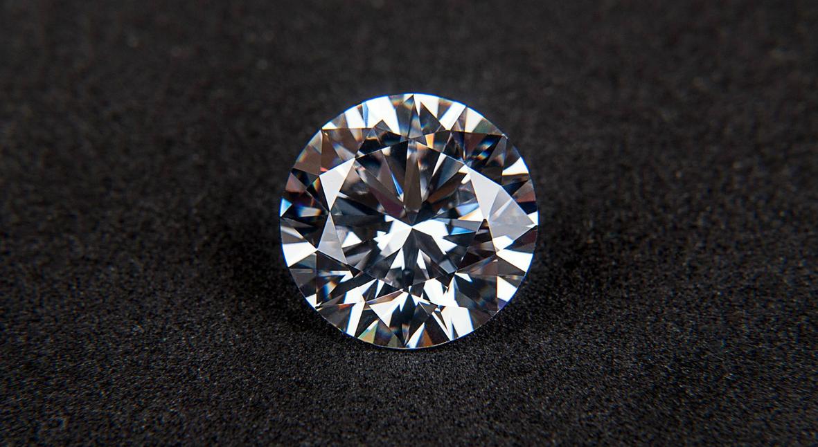 Salt: главное здесь, остальное по вкусу - Бриллиант стоимостью $1,8 миллиона украли с японской выставки драгоценностей