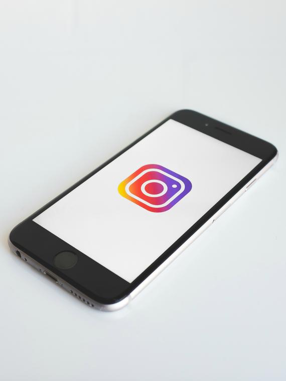 Salt: главное здесь, остальное по вкусу - Instagram запретил публикацию рисунков, связанных с селфхармом и самоубийствами