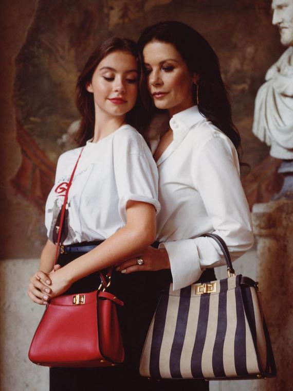Salt: главное здесь, остальное по вкусу - Кэтрин Зета-Джонс с дочерью Кэрис снялась в рекламной кампании Fendi