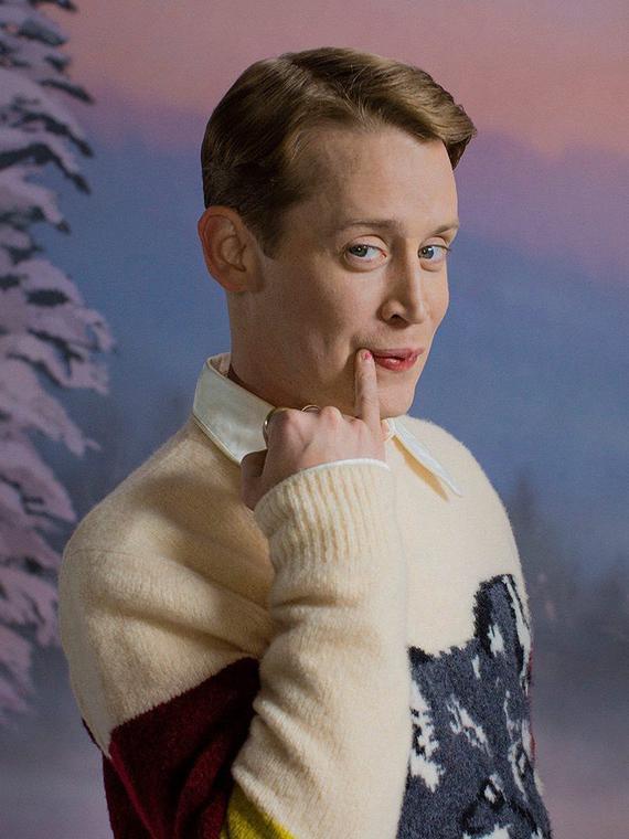 Salt: главное здесь, остальное по вкусу - Маколей Калкин создал коллекцию носков к Рождеству — в рекламной кампании с ним снялась игуана