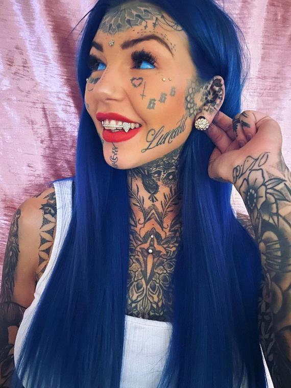 Salt: главное здесь, остальное по вкусу - Австралийка потеряла зрение, сделав татуировку на глазах — она перекрасила глазные яблоки в голубой