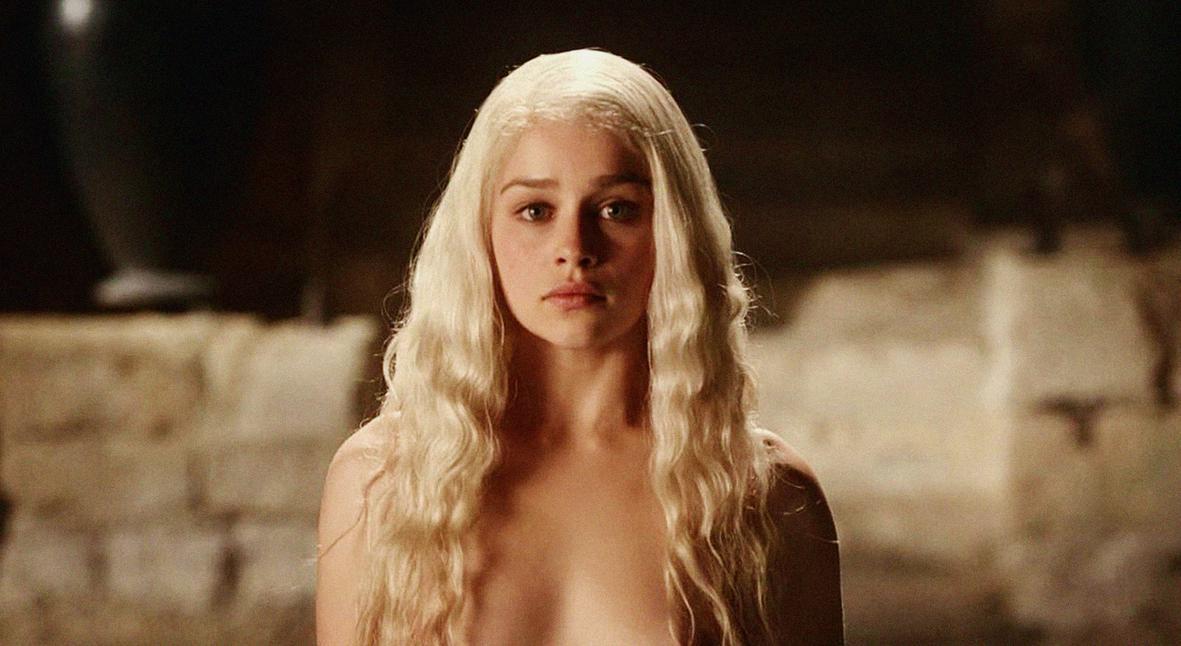 Salt: главное здесь, остальное по вкусу - Эмилия Кларк заявила, что ее пытались принудить к съемкам обнаженной после «Игры престолов»