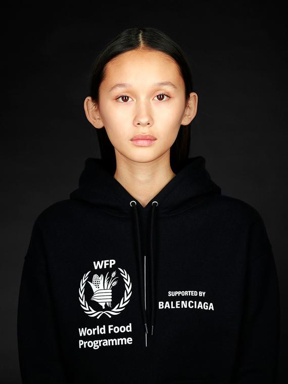 Salt: главное здесь, остальное по вкусу - Balenciaga представили новую коллекцию, посвященную борьбе с мировым голодом