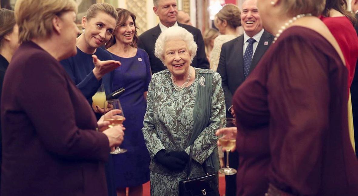 Salt: главное здесь, остальное по вкусу - Елизавета II не планирует отрекаться от престола в 95 лет — официальный представитель