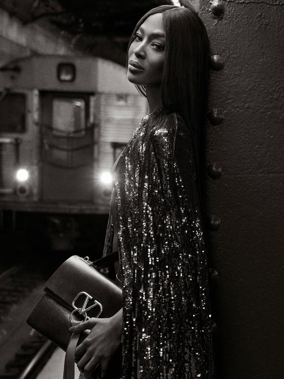 Salt: главное здесь, остальное по вкусу - Мода подземки: Наоми Кэмпбелл в новой кампании Valentino