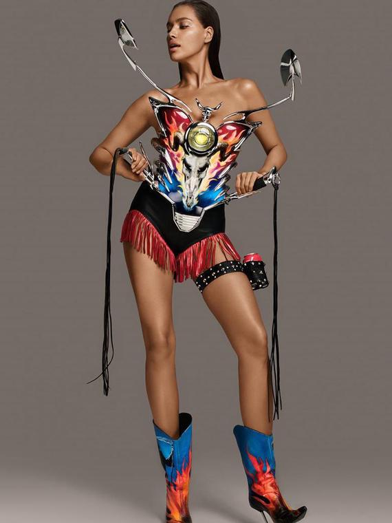 Salt: главное здесь, остальное по вкусу - Ирина Шейк в костюмах от Тьерри Мюглера снялась для обложки 7Hollywood