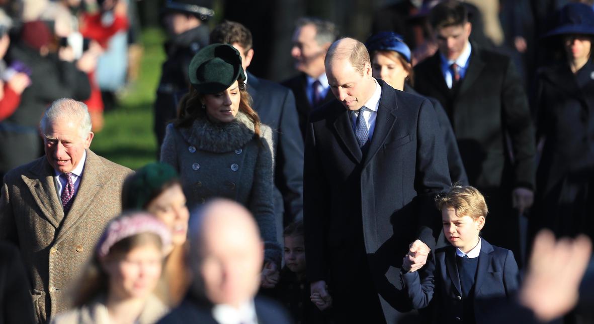 Salt: главное здесь, остальное по вкусу - Кейт Миддлтон и принц Уильям с детьми, принц Чарльз и другие посетили рождественскую службу