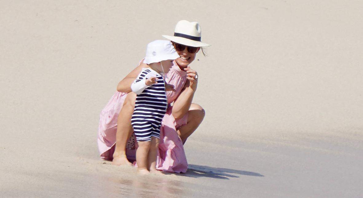 Salt: главное здесь, остальное по вкусу - Солнце и пляж: сестра и родители Кейт Миддлтон проводят праздники на острове Сен-Барт