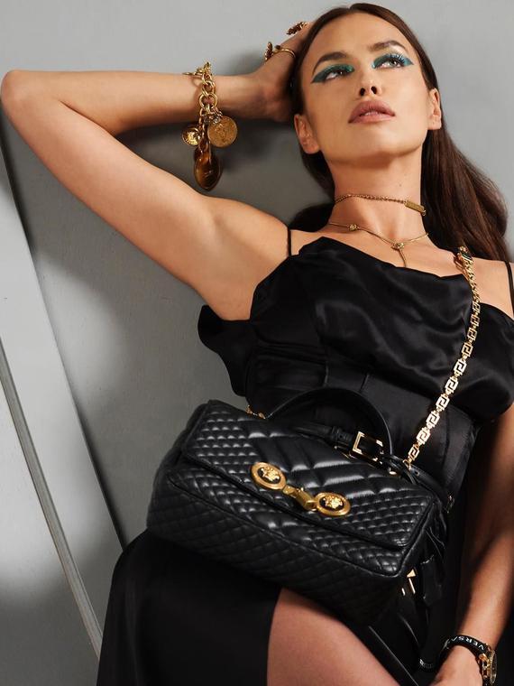 Salt: главное здесь, остальное по вкусу - Лебединое озеро: Ирина Шейк в рекламной кампании Versace