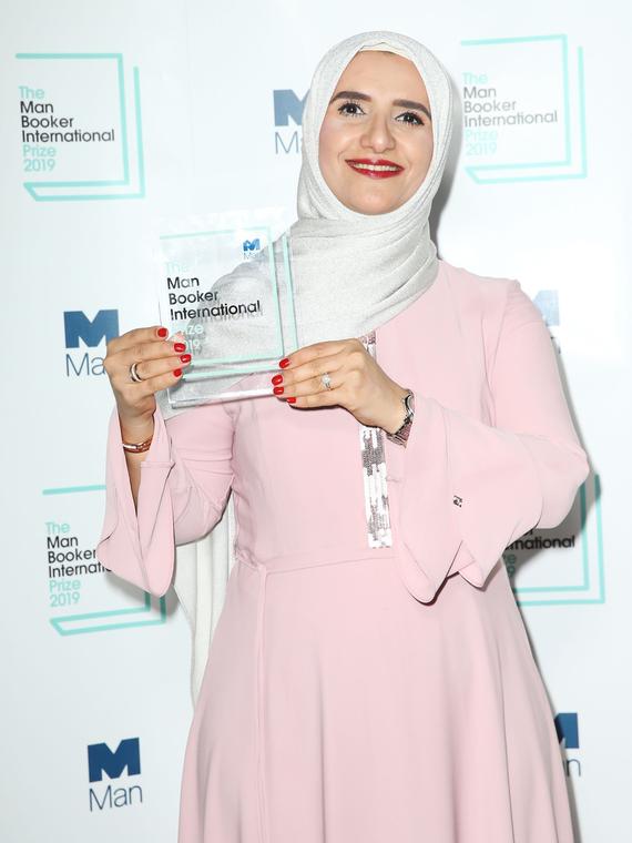 Salt: главное здесь, остальное по вкусу - Букеровскую премию впервые получила писательница из Омана