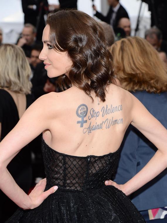 Salt: главное здесь, остальное по вкусу - «Остановите насилие»: Сэнд Ван Рой вышла на красную дорожку Канн с татуировкой-протестом