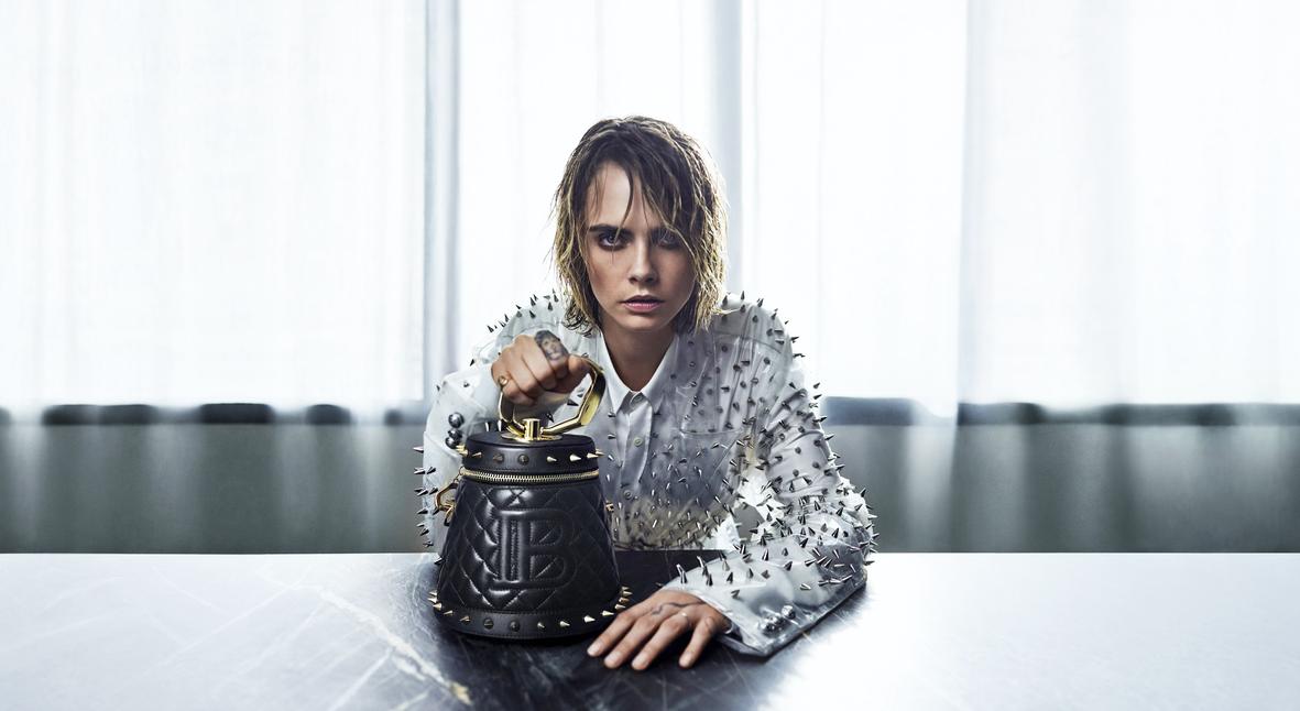 Salt: главное здесь, остальное по вкусу - Кара Делевинь выпустила коллекцию сумок с Balmain