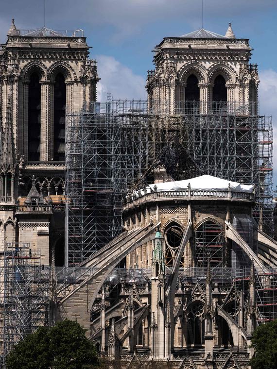 Salt: главное здесь, остальное по вкусу - Сенат Франции требует восстановить собор Парижской Богоматери в прежнем виде