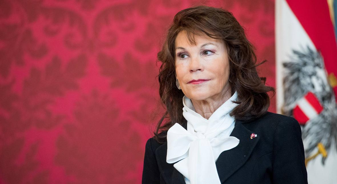 Salt: главное здесь, остальное по вкусу - Бригитте Бирляйн стала первой в истории женщиной-канцлером Австрии