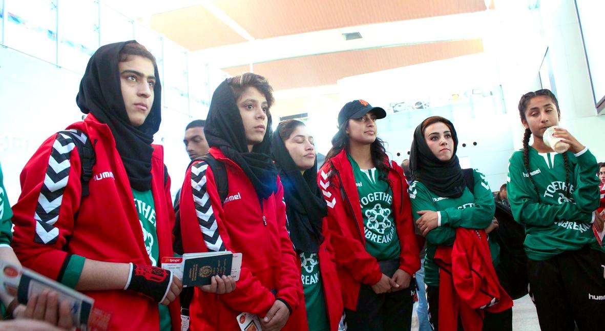 Salt: главное здесь, остальное по вкусу - «Везде была кровь»: спортсменки рассказали о насилии со стороны главы Футбольной федерации Афганистана