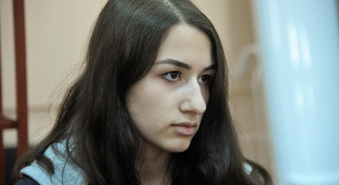 Salt: главное здесь, остальное по вкусу - Прокуратура обязала СК изменить обвинение сестрам Хачатурян на самооборону