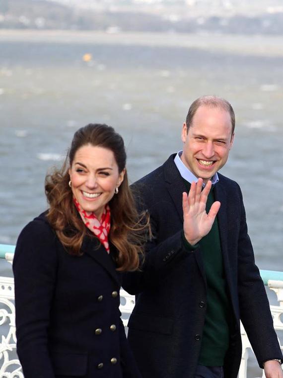 Salt: главное здесь, остальное по вкусу - Кейт Миддлтон и принц Уильям встретились со спасателями и рабочими в Уэльсе