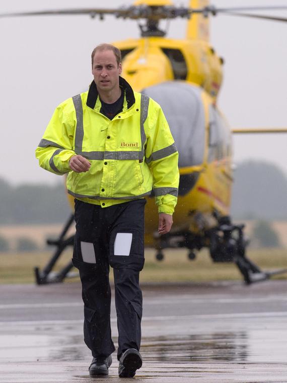 Salt: главное здесь, остальное по вкусу - Принц Уильям может вернуться в санитарную авиацию, чтобы помочь в разгар пандемии
