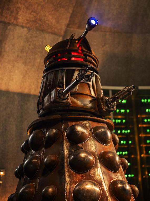 Salt: главное здесь, остальное по вкусу - В британском городе робот приказал всем сидеть дома — это оказался далек из сериала «Доктор Кто»