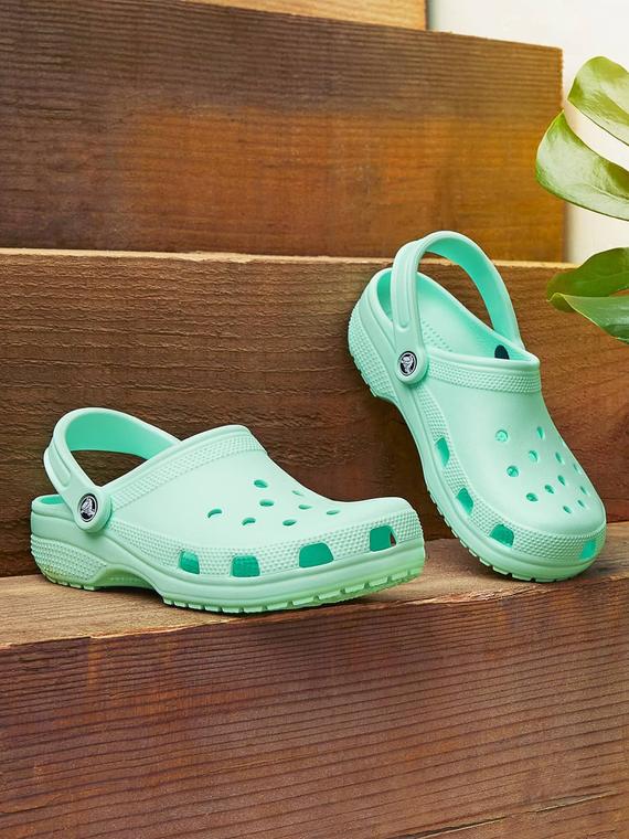 Salt: главное здесь, остальное по вкусу - Crocs передали обувь медицинским работникам больницы в Коммунарке