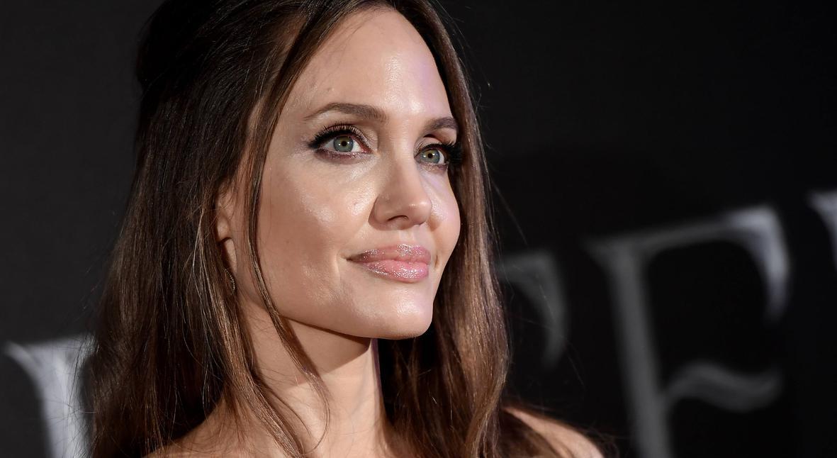 Salt: главное здесь, остальное по вкусу - Анджелина Джоли попросила людей любить и поддерживать друг друга во время пандемии