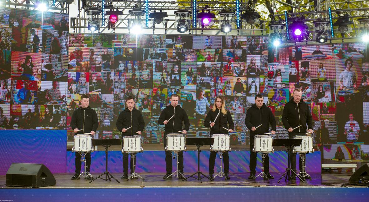 Salt: главное здесь, остальное по вкусу - Барабанщики из Петербурга установили мировой рекорд, сыграв с сотнями музыкантов онлайн