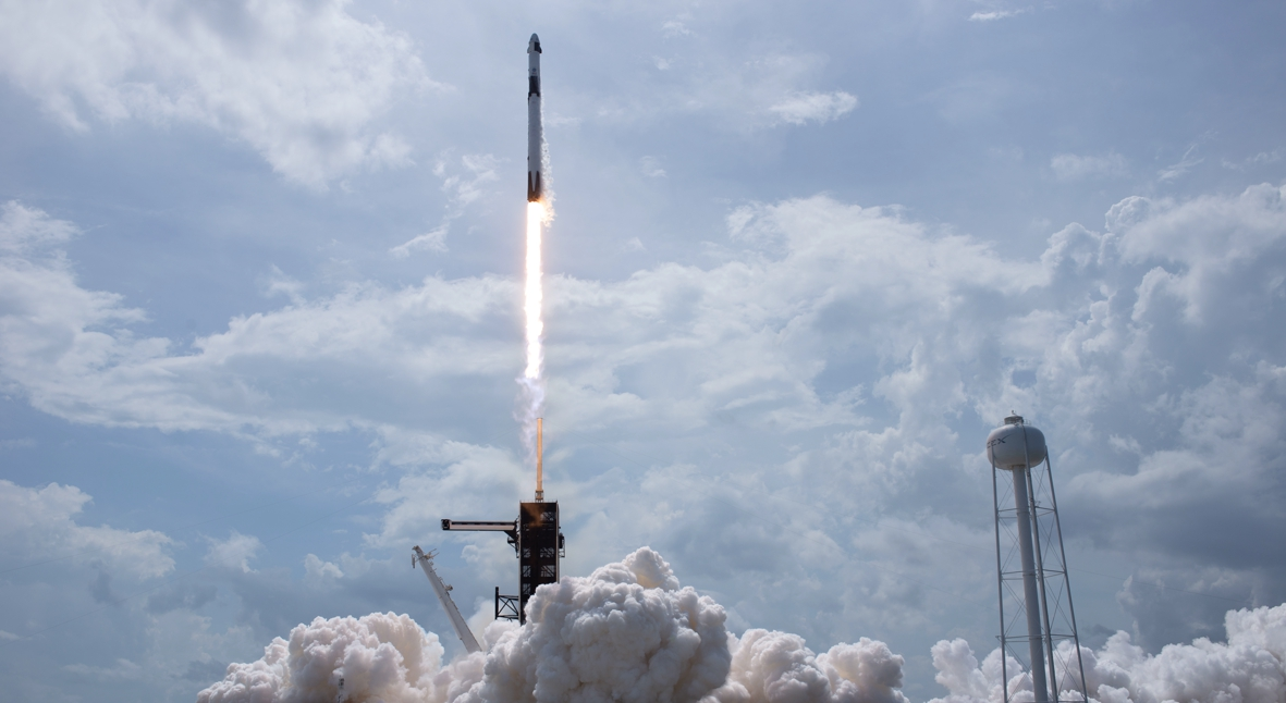 Salt: главное здесь, остальное по вкусу - SpaceX впервые запустила к МКС корабль с астронавтами на борту