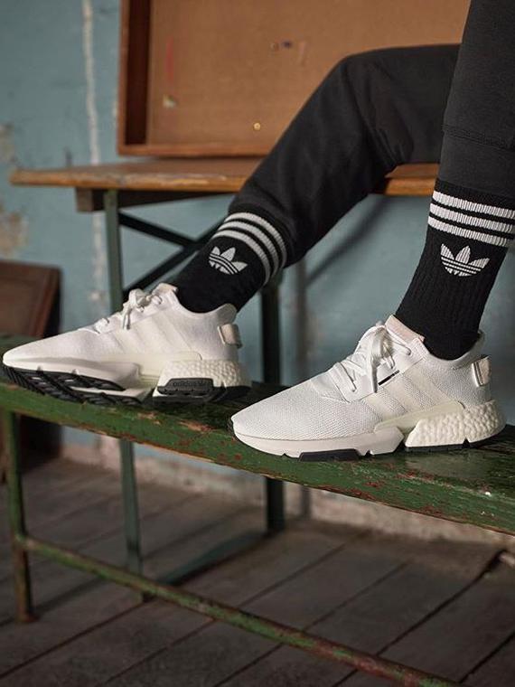 Salt: главное здесь, остальное по вкусу - Сотрудники adidas обвинили бренд в лицемерии и расизме — они собираются выйти на акцию протеста