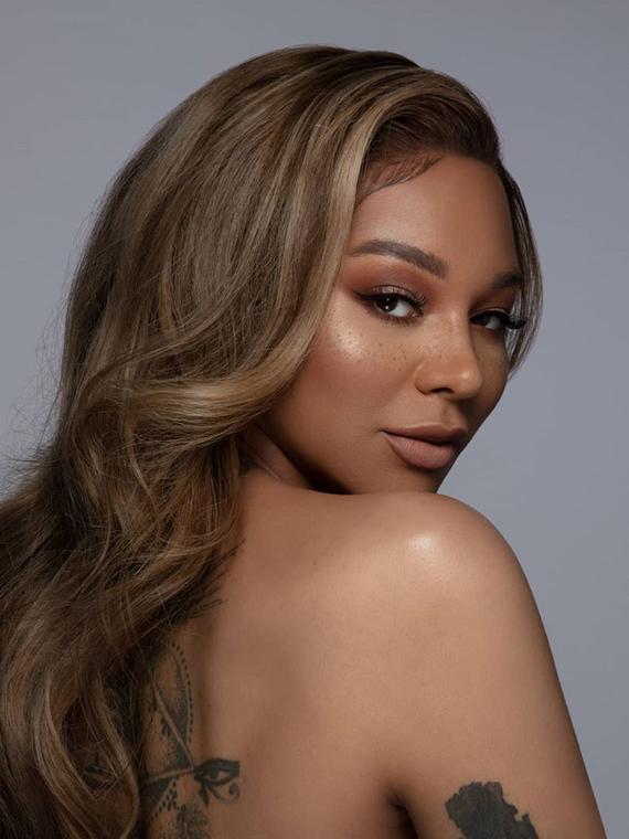 Salt: главное здесь, остальное по вкусу - L'Oréal Paris уладили конфликт с трансгендерной моделью Манро Бергдорф — они вновь будут сотрудничать