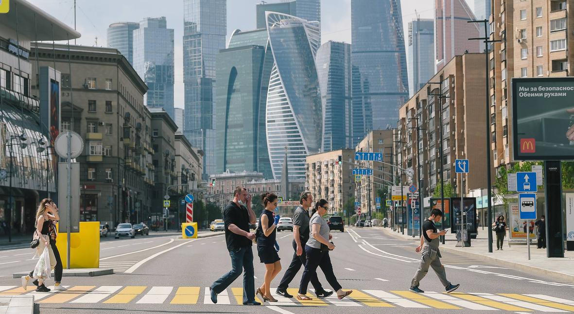 Salt: главное здесь, остальное по вкусу - Коронавирус в России: 8 246 новых случаев заражения и открытие летних веранд в Москве