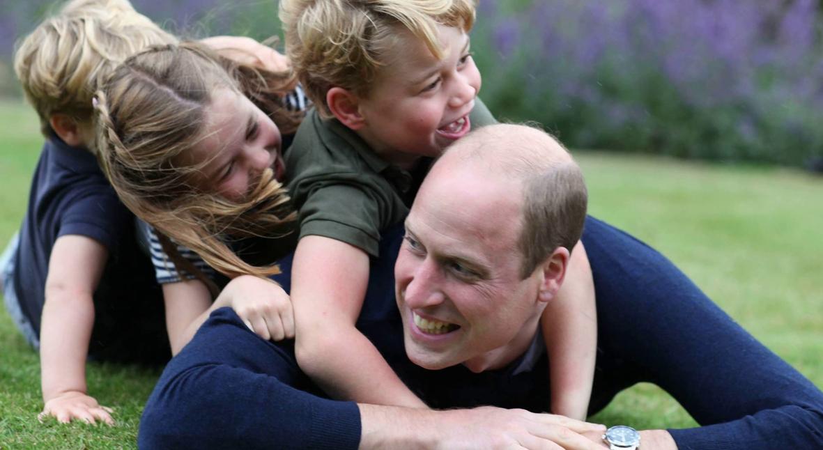Salt: главное здесь, остальное по вкусу - Кейт Миддлтон и принц Уильям поделились новыми семейными фотографиями в честь Дня отца