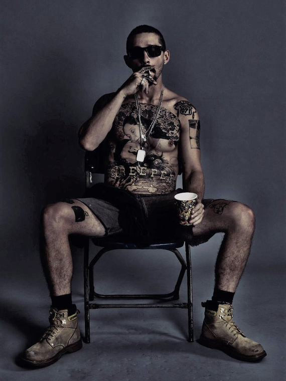 Salt: главное здесь, остальное по вкусу - Шайа ЛаБаф сделал огромную татуировку ради роли в фильме «Выбивая долги»