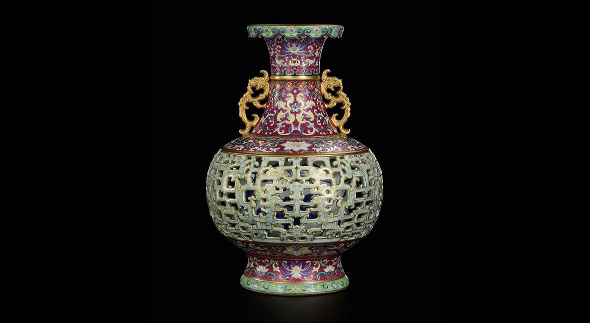 Salt: главное здесь, остальное по вкусу - Жительница Нидерландов продала старую вазу за $9 миллионов. Оказалось, сосуд принадлежал императору Цяньлуну