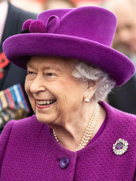 Salt: главное здесь, остальное по вкусу - Елизавета II стала первым британским монархом, находившимся на троне 25 тысяч дней